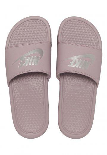 Nike - Benassi Just Do It Particle Rose/Metallic Silver - Sandals