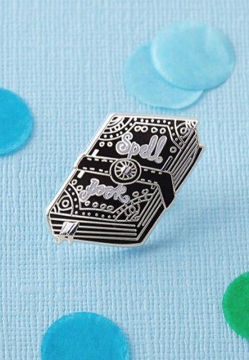 Punky Pins - Spell Book Enamel - Pin