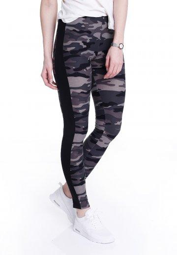 1bb3f360df153 Urban Classics - Camo Stripe Darkcamo/Black - Leggings - Streetwear ...