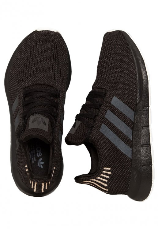 Adidas - Swift Run W Core Black/Carbon