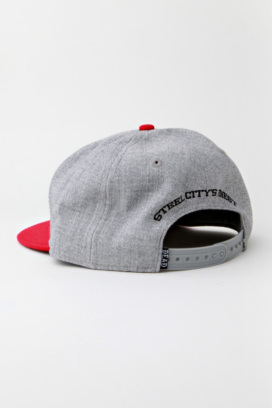 Drop Dead - War Pig Grey Red Snapback - Cappello - Liveyourmusic ... 75f2a943b51d
