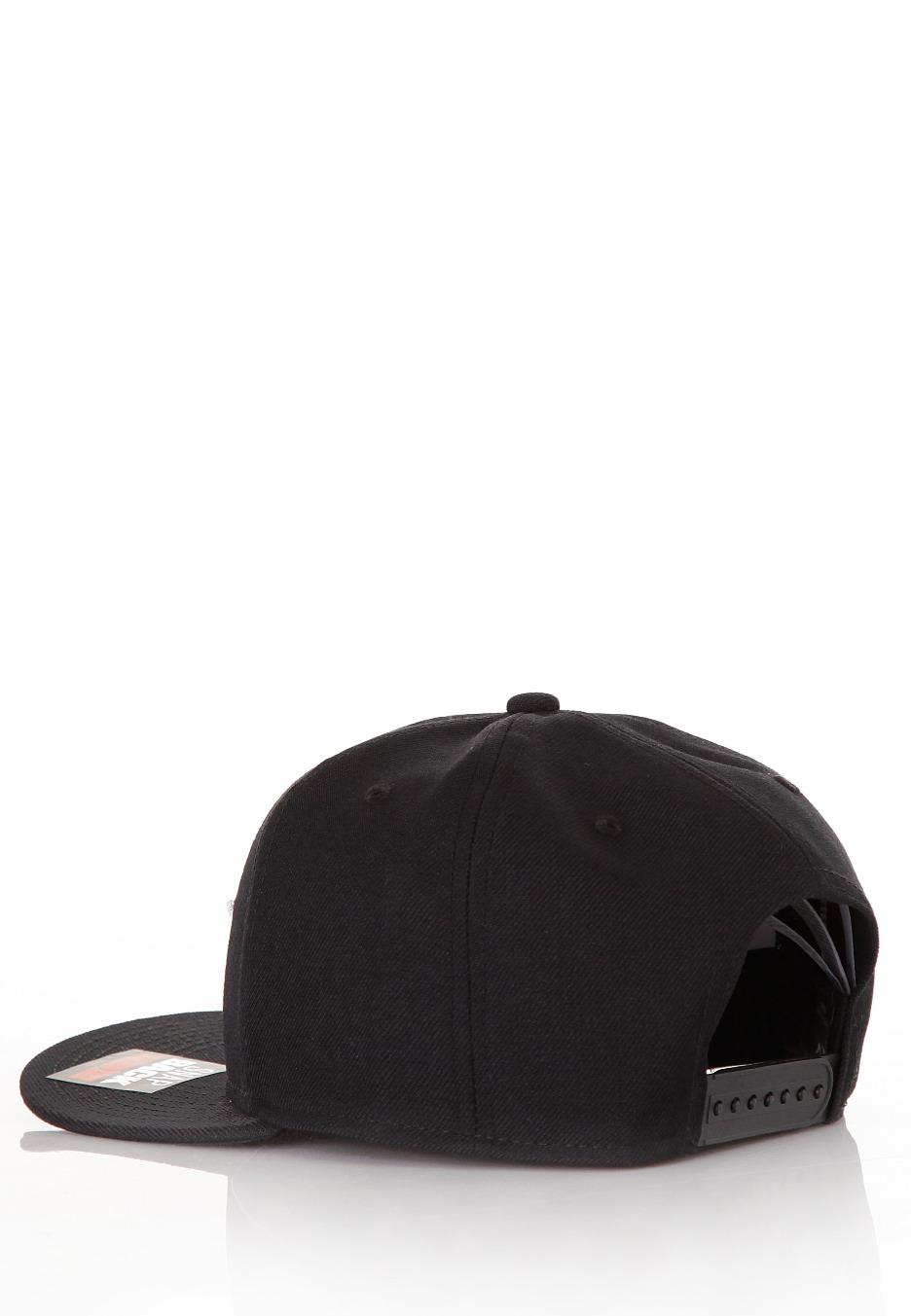 Nike - Futura True 2 Black Black Black White - Cap - Streetwear Shop ... 5eb8c3da69d
