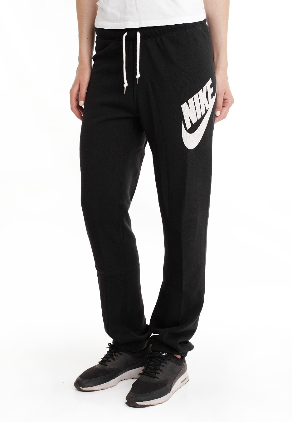 Our women's black pants are the classic design that can be worn for almost any occasion. Our large assortment of styles and sizes give you the ability to find a pair of women's black pants .