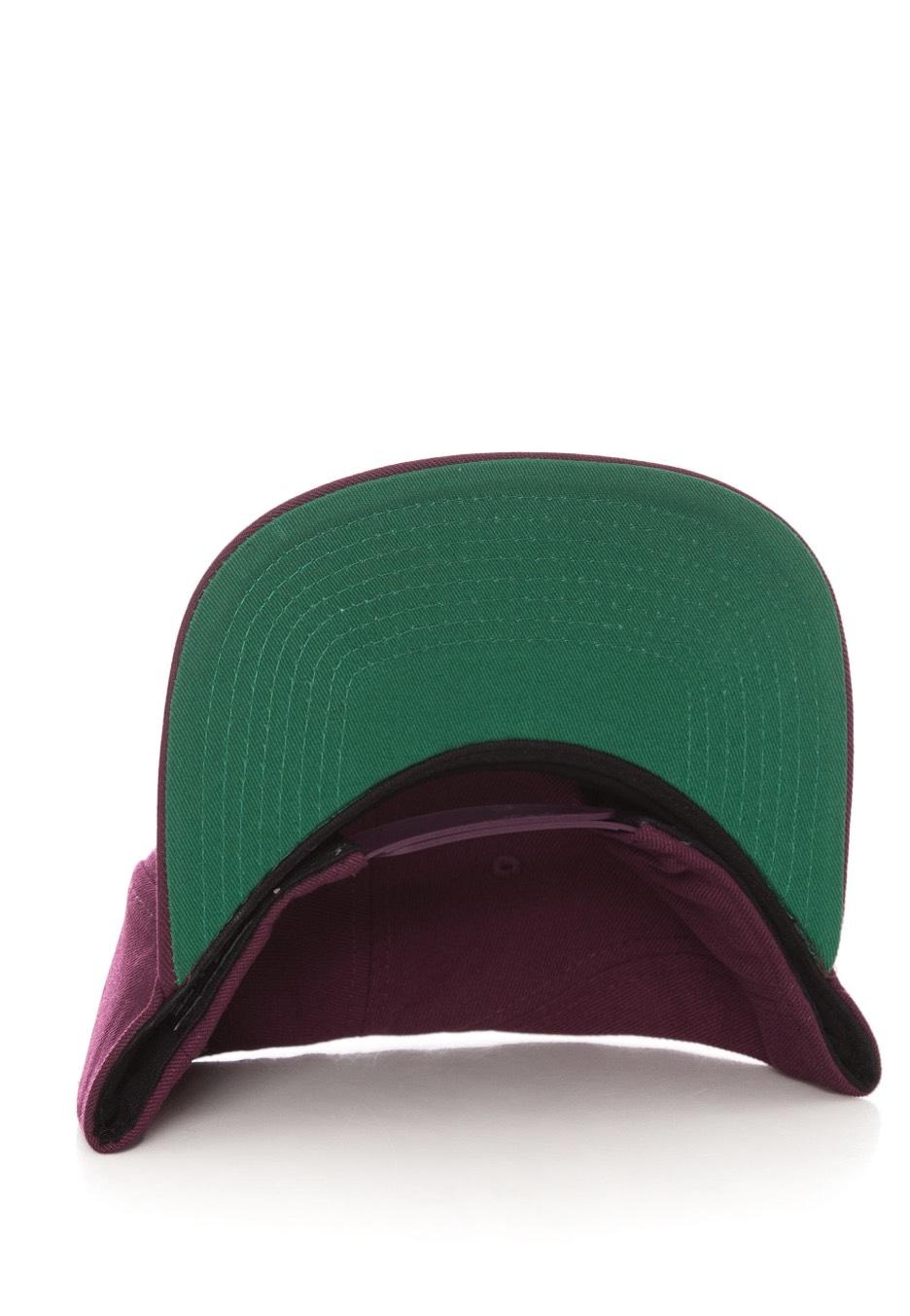 nike swoosh pro bordeauxpine greenblackwhite cap