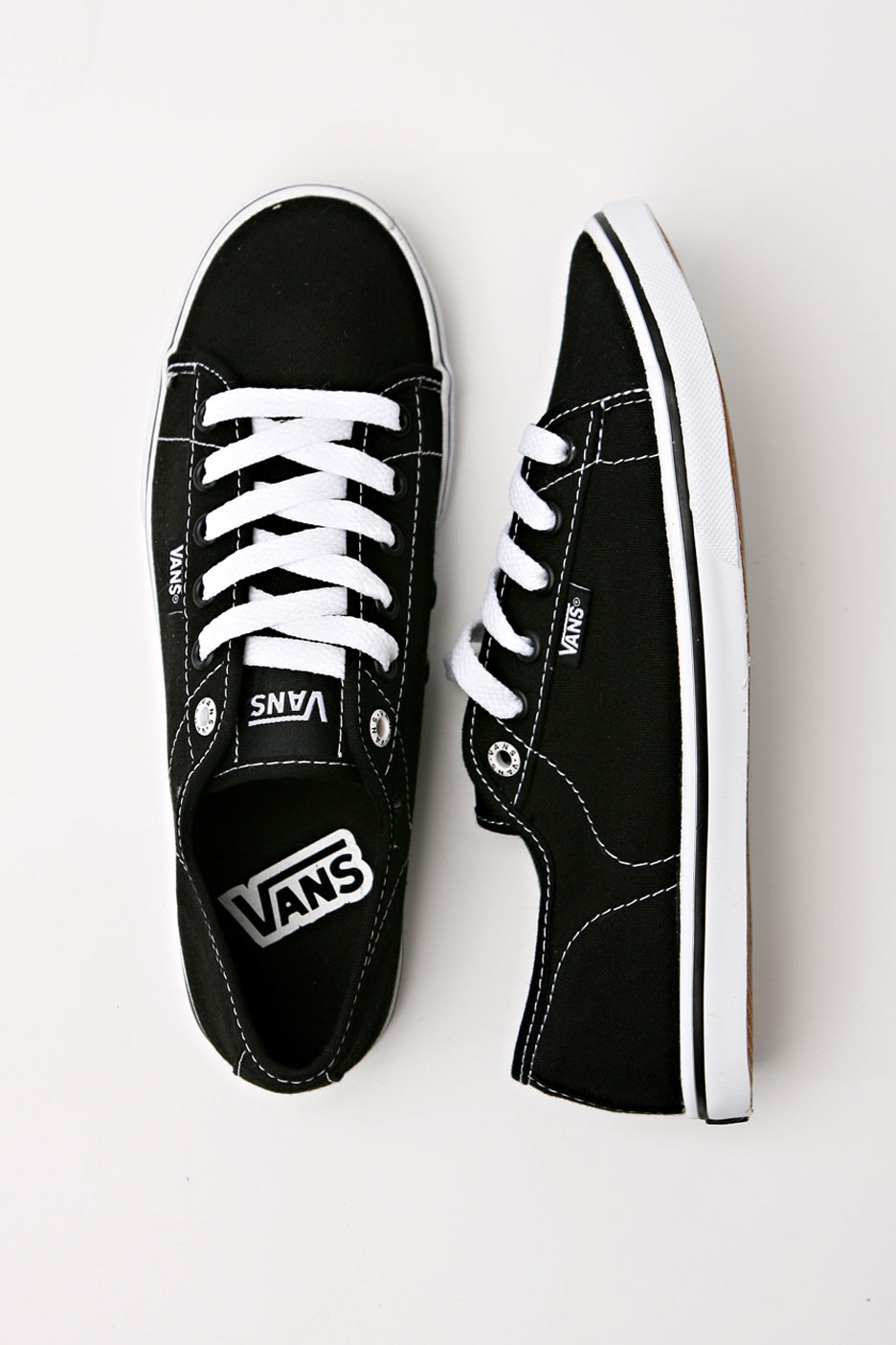 vans lo pro black and white